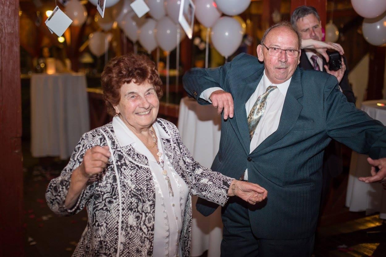 Vento Lento csónakház mulatóban esküvő